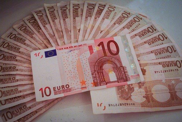Chi mi presta 200 euro